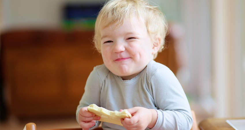 Strengthen Toddler Teeth with 10 Amazing Foods