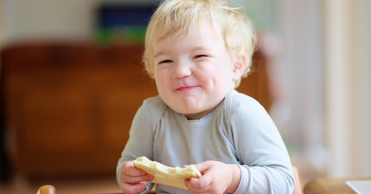 Which foods are best for your kids dental health? The Dental Diet is based on foods to strengthen teeth. Read on how to use nutrition for healthy kids.