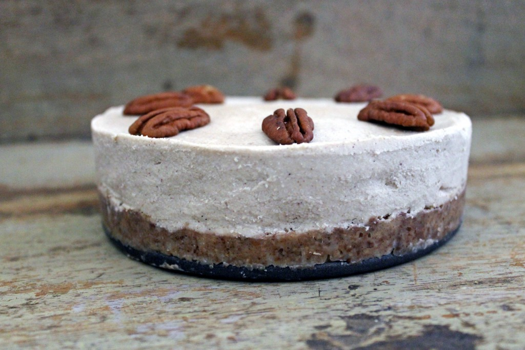 Paleo Dessert Recipes: Raw Cashew Cheesecake